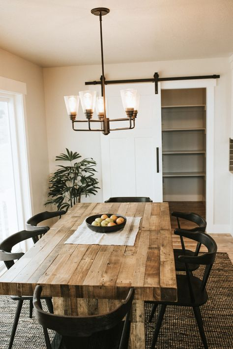 Thinking about building the Morgan floorplan with EDGE Homes? Check out this great floorplan here and call EDGE today! Küchen Design, House Design, Interior Design, Dining Room Inspiration, Home Decor Inspiration, Kitchen Dinning Room, Style Deco, Rooms Home Decor, Minimalist Home