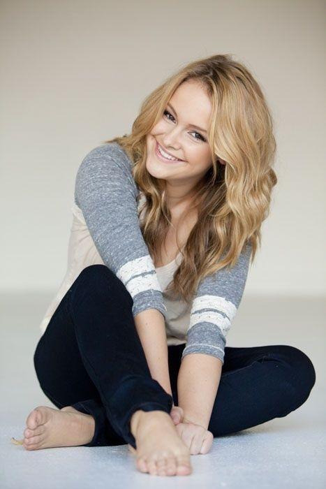 Taylor feet jennifer Jennifer Aniston,