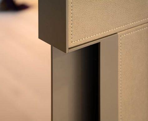 レザー張り扉の研究@麻布台M邸   建築家が考える上級リフォーム・リノベーション