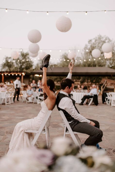 Shoe Game Wedding, Wedding Reception Activities, Wedding Games For Guests, Outdoor Wedding Reception, Wedding Show, Wedding Pics, Wedding Timeline, Elopement Wedding, Budget Wedding