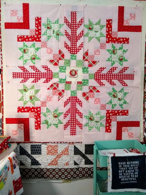 Christmas Quilting Projects, Christmas Quilt Patterns, Christmas Sewing, Christmas Crafts, Christmas Holidays, Christmas Ideas, Sampler Quilts, Star Quilts, Mini Quilts