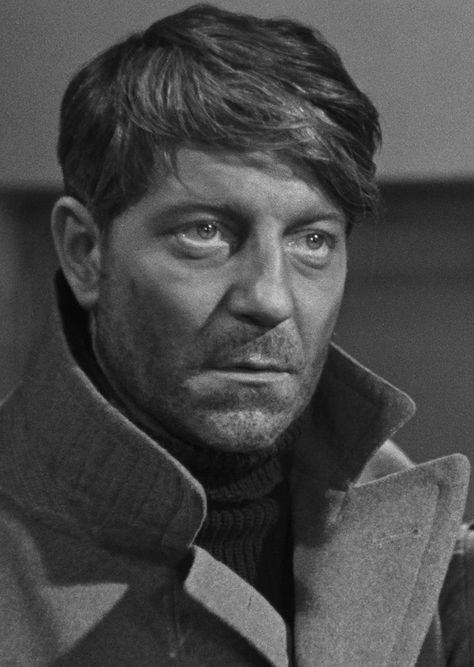 Jean Gabin looks aight with a beard... Grand Illusion (1937, dir. Jean Renoir)