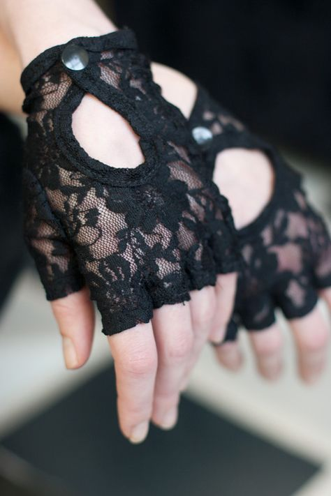 Lace Keyhole Fingerless Gloves - there is something truly perfect about the interplay of delicate lace and classic motorcycle gloves. Sized to best fit small to medium hands Stretch, around hand: 8 Mode Outfits, Fashion Outfits, Womens Fashion, Fashion Trends, Gloves Fashion, Fashion Accessories, Moda Rock, Mode Kawaii, Estilo Lolita