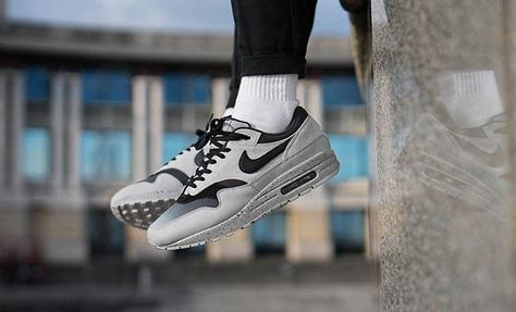 3df3eb33eb59e NIKE AIR MAX 1 PREMIUM PURE PLATINUM   BLACK SNEAKERS IN ALL SIZES  Nike   RunningShoes