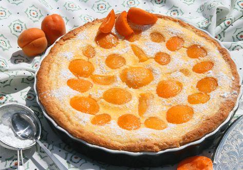 Aprikosen-Marzipan-Wähe  Eine traumhafte Kombination  http://www.kuechenmomente.de/aprikosen-marzipan-waehe/