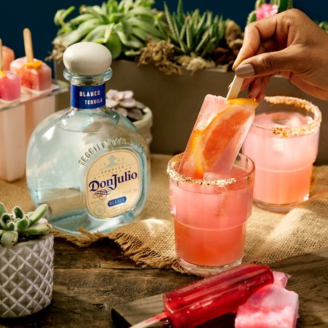 Try the Don Julio Paloma Paletas cocktail recipe with Don Julio® Blanco Tequila, Grapefruit soda, & Lime Juice. Add ice & garnish with a grapefruit wedge.