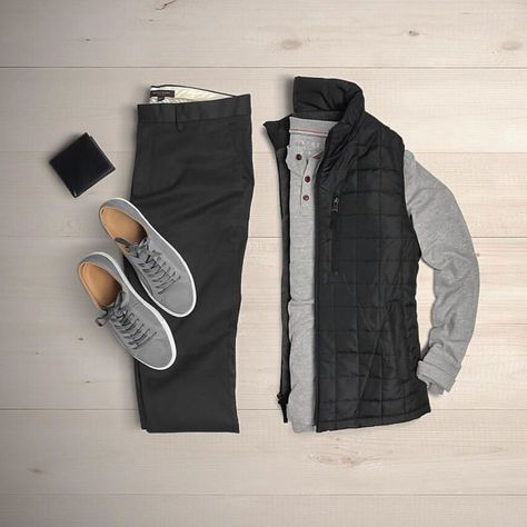 Chics Kind men's casual style outfit grid stylish men's inspiration men's style Source by chicskind men Men Fashion Show, Fashion Mode, Look Fashion, Mens Fashion, Fashion Outfits, Fashion Ideas, Fall Fashion, Fashion Trends, Retro Mode