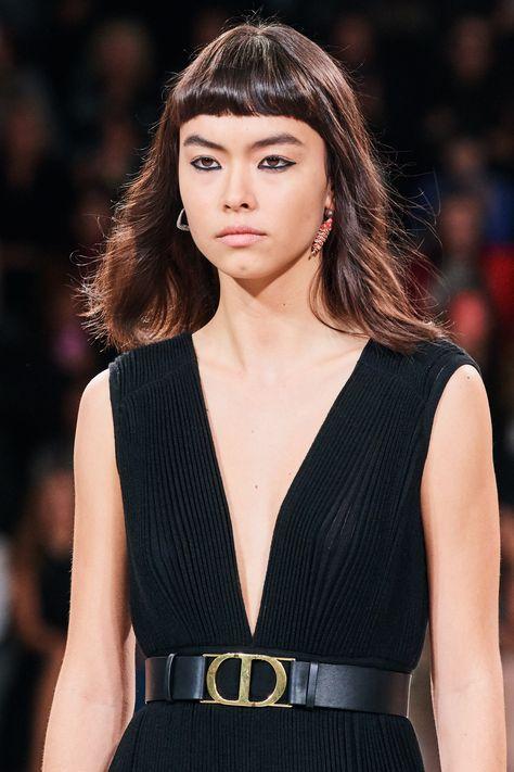 Tendance cheveux : la mini frange sera de retour en 2021 | Vogue Paris
