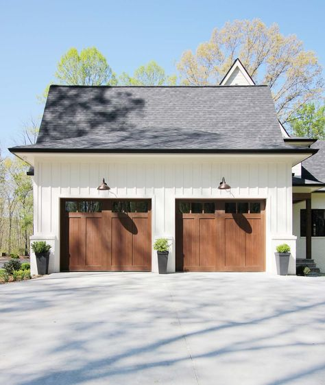 Things To Consider Before Purchasing Garage Doors For Your Home - Plank and Pillow Carriage House Garage Doors, Carriage House Plans, Wood Garage Doors, Barn Garage, Garage House, Garage Door Lights, Double Garage Door, Craftsman Garage Door, Modern Garage Doors