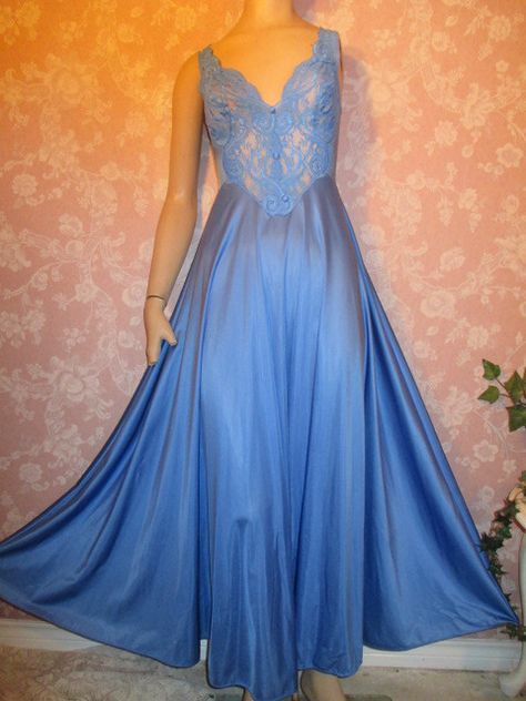 Vintage Nightgown Olga 92770 Blue Lace Bodice buttons Mega Sweep L XL long Plus size