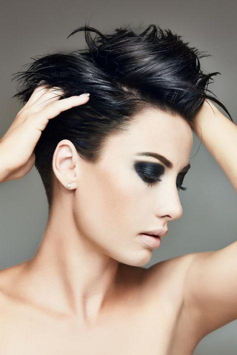Kurze dunkle Frisuren | Frisuren, Kurzhaarfrisuren, Dunkle