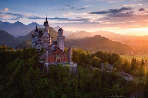 Fairy tale-like Neuschwanstein Castle in Germany. Photo by Martin Pfister