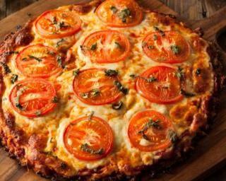 Pizza Margarita minceur sur sa croûte de chou-fleur : http://www.fourchette-et-bikini.fr/recettes/recettes-minceur/pizza-margarita-minceur-sur-sa-croute-de-chou-fleur.html