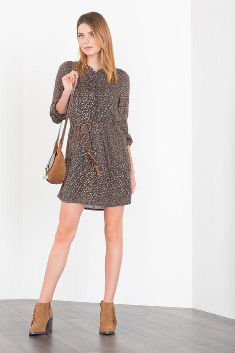 Shoptagr | Mit BindegÜrtel Blusenkleid by Esprit