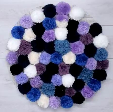Yuk Bikin Karpet Pom Pom Mini Yang Unik Dari Benang Wol Ide