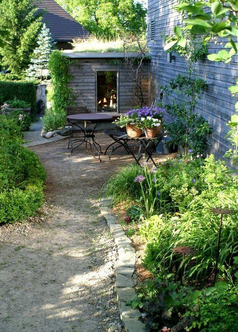 Sitzplatz mit Kies Senkgarten -Sunken Garden Pinterest - gartengestaltungsideen mit kies