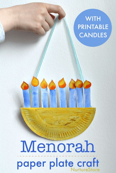 Here's a fun Hanukkah craft to make with children: an easy paper plate menorah. Here's a fun Hanukkah craft to make with children: an easy paper plate menorah craft. Hanukkah For Kids, Hanukkah Crafts, Jewish Crafts, Feliz Hanukkah, Hanukkah Decorations, Holiday Crafts, Kwanzaa, Hanukkah Menorah, Hannukah