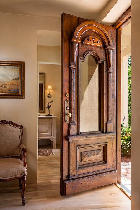 : Give your home country charm with Farmhouse Decor - Modern Inspiration Style Southwestern Decor - Modern Wooden Doors, Wooden Door Design, Front Door Design, Wood Design, Villa, Southwestern Decorating, Southwestern Style, Southwestern Home Decor, Antique Doors