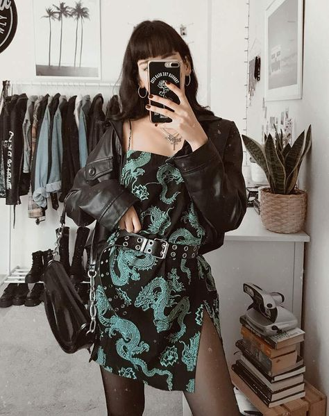 Hipster Grunge, Grunge Tumblr, Edgy Outfits, Cute Casual Outfits, Goth Girl Outfits, Black Outfit Edgy, Cute Grunge Outfits, Slytherin Clothes, Moda Vintage
