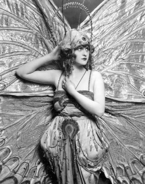 Ziegfeld Follies costume   ~ SHOWTIME FOLLIES