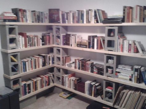 cinder blocks and 2x4s bookshelf shhhhh its a library pinterest cinder shelves and room - Natrliche Hickory Holzbden