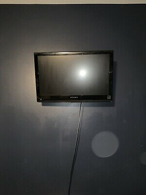 Small Flat Screen Tv With Wall Mount In 2020 Flatscreen Tv Flat Screen Tv