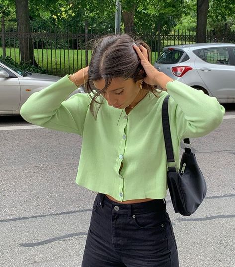 @claudiabhimra on ig discovered by M️️. on We Heart It Fashion 2020, Look Fashion, Autumn Fashion, Fashion Outfits, Girl Fashion, School Fashion, Korean Fashion, Fashion Tips, Cute Casual Outfits