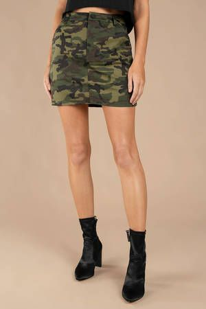 Report for duty in the On Command Camo Olive Skirt, featuring a high waisted fit with a classic camouflage print that stands out. Take this mini skirt