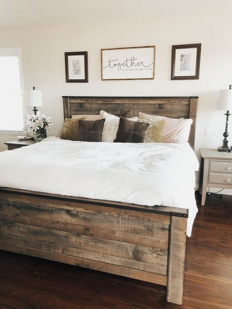 27 Beautiful Modern Farmhouse Bedroom Design Ideas And Decor. If you are looking for Modern Farmhouse Bedroom Design Ideas And Decor, You come to the right place. Below are the Modern Farmhouse Bedro. Diys Room Decor, Decor Ideas, Decor Diy, Diy Home Decor On A Budget, Decor Crafts, Rustic Bedroom Decorations, Bedroom Ideas On A Budget, Fall Decor, Rustic Wood Decor
