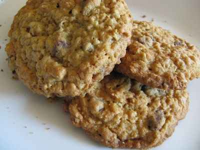 Oatmeal Pecan Cookies In 2020 Oatmeal Cookie Recipes Cookie Recipes Desserts