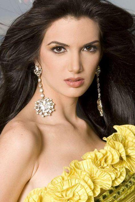 Adriana Vasini (born: July 30, 1987, Maracaibo, Venezuela