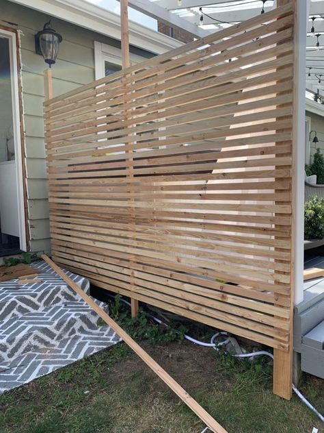 Hot Tub Privacy, Privacy Screen Outdoor, Privacy Walls, Deck Privacy Screens, Privacy Wall On Deck, Diy Deck, Diy Patio, Backyard Patio, Backyard Landscaping