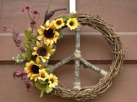 Yellow & Purple Sunflower Peace Sign Wreath / Natural Grapevine Peace Sign Wreath / Hippie Style / Teen Decor / Dorm Decor / Boho / Retro - pinned by pin4etsy.com