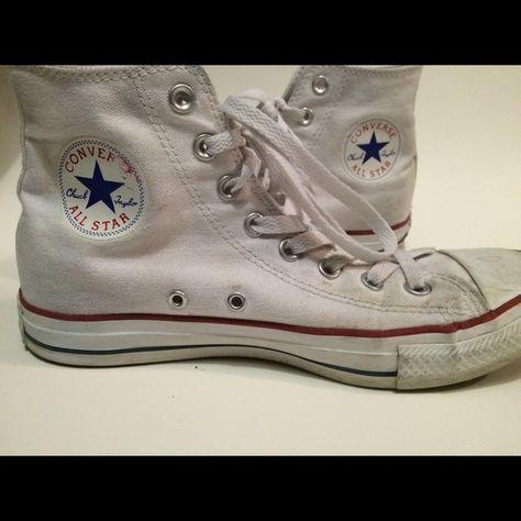 cc2519b312dfdf Converse Hightops White Converse Hightops size 7 men s  9 womens!! Cute