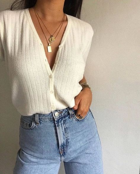 Popular Outfit Ideas With Jeans To Wear Right Now outfit ideas with jeans, s t y l e 15 Trendy Autumn Street Style Outfits For This Year - fall outfits Street Style Boho, Street Style Outfits, Indie Outfits, Casual Fall Outfits, Trendy Outfits, Cute Outfits, Fashion Outfits, Fashion Trends, Travel Outfits