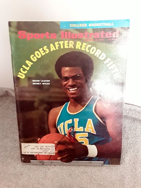 Sports Illustrated November 1970 Sidney Wicks UCLA Levias Houston Oilers Notre Dame Football Joe Frazier Boxing Oral Roberts