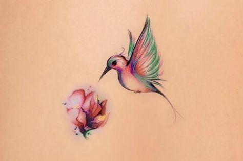 Tatouage Aquarelle Oiseau Butinant Une Fleur Tattoo Vegetal