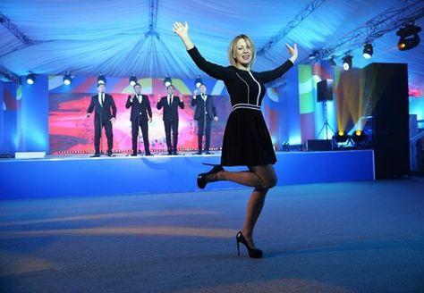 М.Захарова танцует Калинку | Украина, Марио, Челси