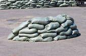Stocking #up #on #FREE #sandbags. # #Wenn #Sie #in #einer #Flut #anfällig #Bereich #viele #Feuerabteilungen #geben #Sie #kostenlos #Sandsäcke. # #Überprüfen #Ihr #Fläche #für #Freies #Füllen #Schmutz, #und #Auffüllen #Ihre #Taschen. # # #Sie #haben #viele #Verwendungszwecke, # #um #Hochwasser #zu #verhüten #von #erreichbaren #Ihrem #Haus, #um #Teiche #zubauen, #Bunker # & #Wurzelkeller, #zubauen # stratig platzierte Überreste, Stapel in Front von Fenstern, wenn SHTF, etc.