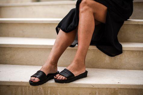 ♥︎ Kesän kauneimmat sandaalit ovat Stylesnobin.  http://www.stellaharasek.com/2017/06/kaftaanimuija-kreetalla/