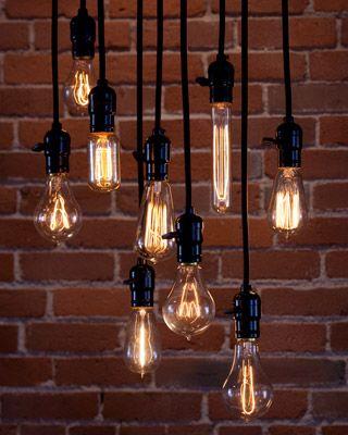 Vintage-Glühbirnen in verschiedenen Höhen…