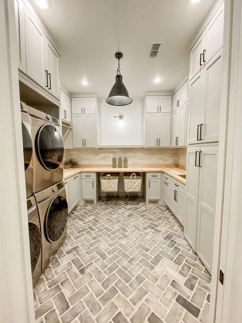 Home Interior Kitchen .Home Interior Kitchen Mudroom Laundry Room, Laundry Room Remodel, Farmhouse Laundry Room, Laundry Room Design, Laundry Decor, Farmhouse Homes, Modern Laundry Rooms, Large Laundry Rooms, Farmhouse Flooring