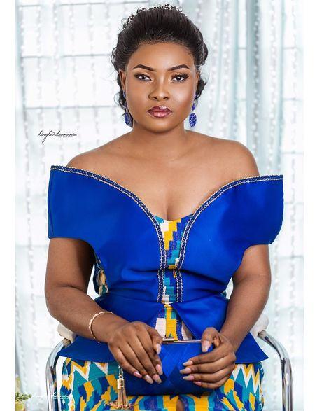 📸 Kwasi Asante Agyapong sur Instagram: The ever so stunning Nana Konadu ❤️ ❤️ Bride @naidu_herself . Traditional Marriage Sam 💍 Konadu . #SK&NK #theDzegblors19 . 📸…