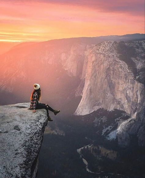 Stunning views of the Yosemite valley during sunset 🌅 Would you sit on this ledge? Let us know below ⬇️ 📸: @codyconk Follow ➡️ @outdoorgroupie #outdoorgroupie #followadventure #outdoors #nature #adventure #photography #hiking #travel #naturephotography #explore #landscape #mountains #camping #outdoor #naturelovers #outside #wanderlust #getoutside #wildlife #beautiful #landscapephotography #forest #outdoorphotography #bhfyp #hiking #hikingadventures #hikingtrails #hikingboots #hikersofinsta