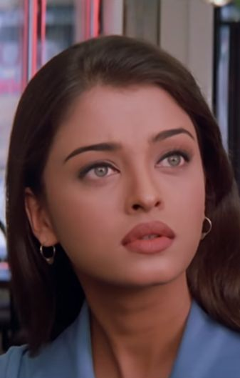 Image about beautiful in Aishwarya Rai by Maria Aishwarya Rai Young, Actress Aishwarya Rai, Aishwarya Rai Bachchan, Bollywood Actress, Aishwarya Rai Makeup, 90s Makeup, Beauty Makeup, Makeup Inspo, Bollywood Hairstyles