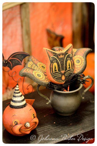 Photos from The Hallowbaloo Halloween Art Show in Redmond, Washington - 2015