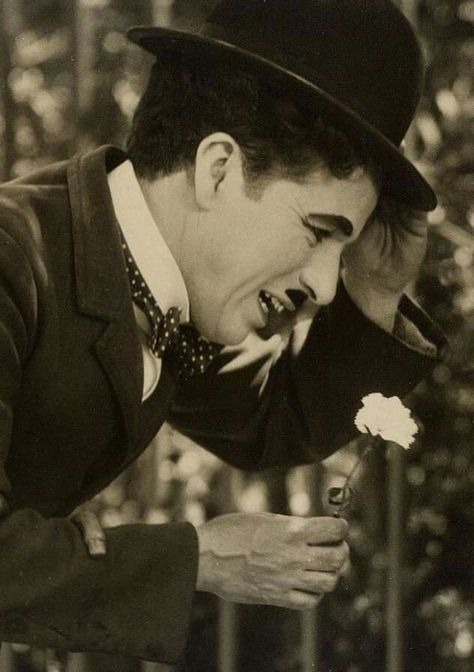Top quotes by Charlie Chaplin-https://s-media-cache-ak0.pinimg.com/474x/e3/b1/aa/e3b1aa797da3e7cb04b3ba1c4527c032.jpg