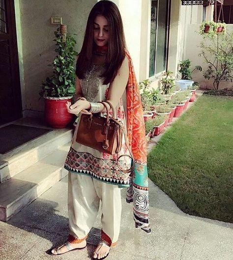 Lawn kameez shalwar stitching styles in Pakistan