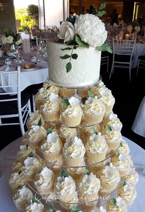 Types Of Wedding Cakes, Black Wedding Cakes, Wedding Cake Rustic, Wedding Cakes With Cupcakes, Beautiful Wedding Cakes, Birthday Cupcakes, Perfect Wedding, Wedding Cup Cakes, Vintage Wedding Cupcakes
