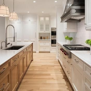 Oak Island With Blond Wood Floors Kitchen Renovation Oak Kitchen White Oak Kitchen